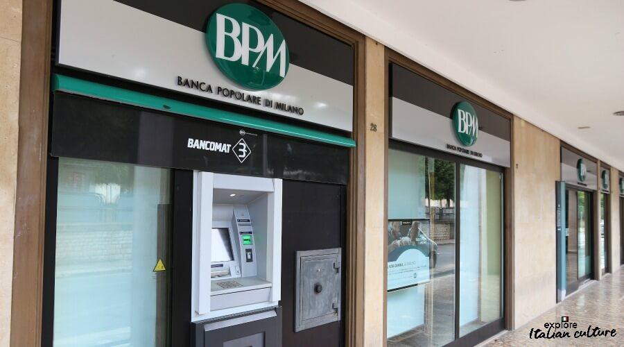 ATMs at the Banco Popolare di Milano.