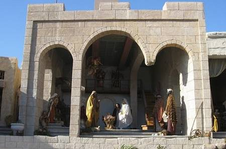 Outdoor nativity scenes