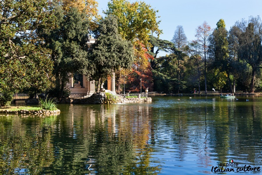 The lake in the beautiful Borghese Park. Autumn in Rome.