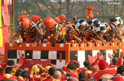Traditions of Mardi Gras in Ivrea - orange battle