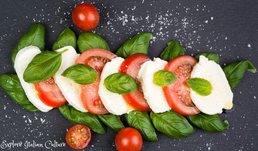A standard Caprese salad.
