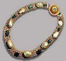 Ancient Italian gold necklace, Pompeii.