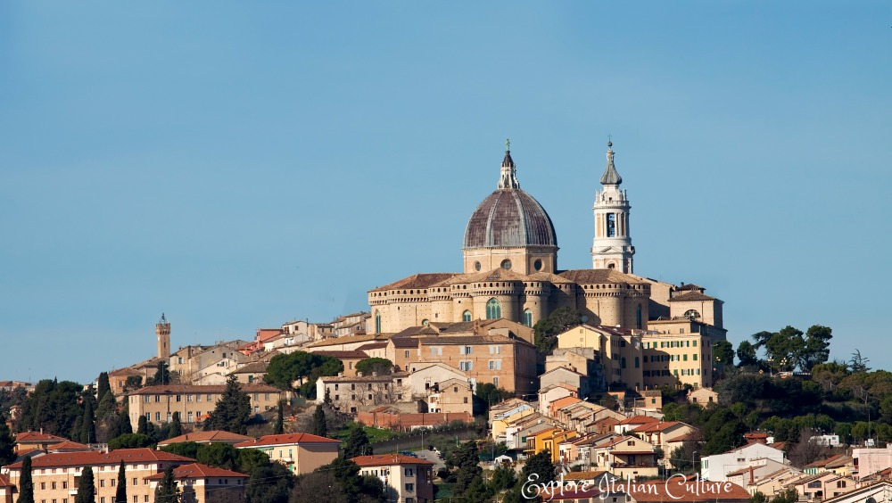 The pretty pilgrimage town of Loreto, sitting high above the Adriatic sea on the beautiful Le Marche coast..