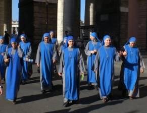 Lent calendar nuns come to pray